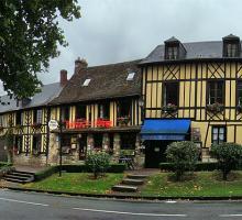 1073-le-bec-hellouin-plus-beaux-villages-de-france-eure.jpg