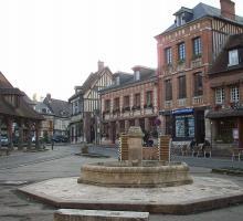 1077-lyons-la-foret-plus-beaux-villages-de-france-eure.jpg