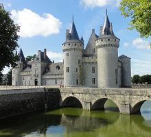 1260-chateau-de-sully-sur-loire-saone-et-loire.jpg