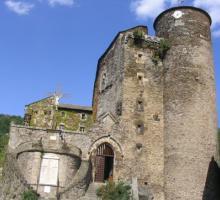 1606-chateau-medieval-de-coupiac-aveyron.jpg