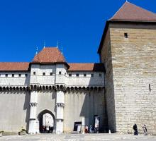 1693-chateau-musee-annecy-entree-haute-savoie.jpg