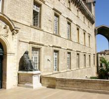1807-faculte-de-medecine-montpellier-herault-occitanie.jpg