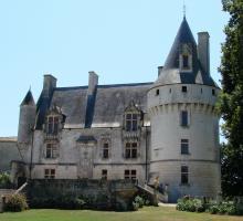 1961-chateau-de-crazannes-charente-maritime.jpg