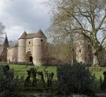 1978-chateau-ainay-le-vieil-cher.jpg