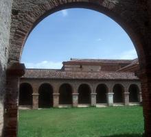 2004-abbaye-belleperche-tarn-et-garonne.jpg