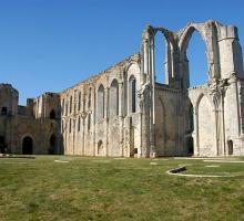 2078-abbaye-maillezais-vendee.jpg