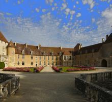 2080-chateau-d-epoisses-cote-d-or.jpg