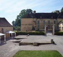 2086-chateau-dentre-deux-monts-nuits-saint-geaorges-cote-dor.jpg