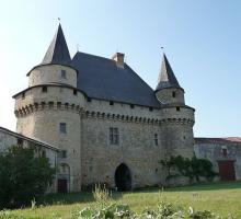 2087-chateau-de-sigournais-vendee.jpg