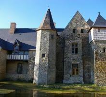 822-chateau-de-la-courbe-de-bree-mayenne.jpg