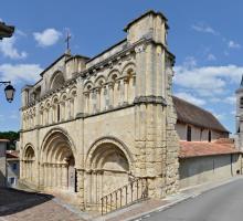 870-aubeterre-sur-dronne-plus-beaux-villages-de-france-charente.jpg