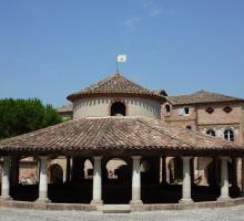 872-auvillar-plus-beaux-villages-de-france-tarn-et-garonne.jpg