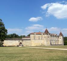 905-prechac_33_chateau_de_cazeneuve_gironde.jpg