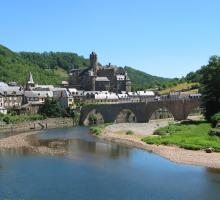 916-estaing-plus-beaux-villages-de-france-aveyron.jpg