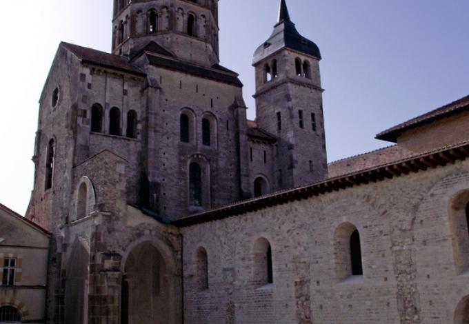 57-abbaye-de-cluny-saone-et-loire.jpg