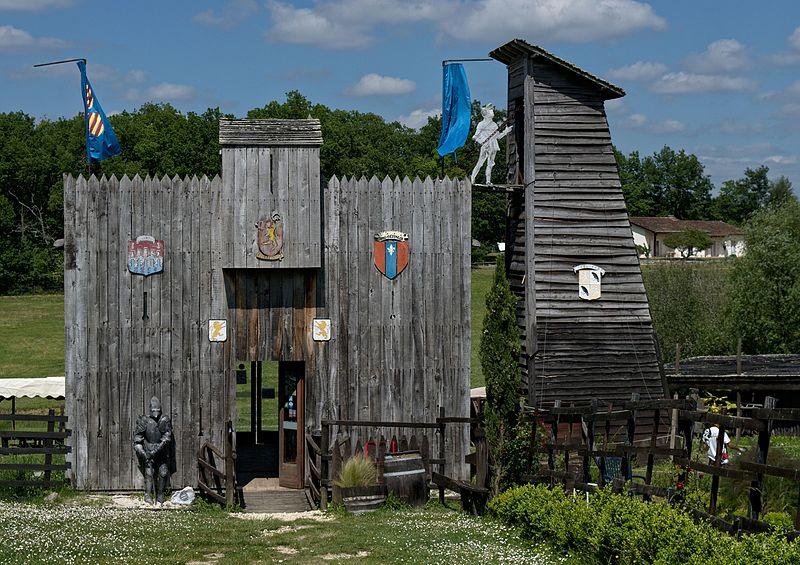 861-larressingle_camp_de_siege_medieval.jpg