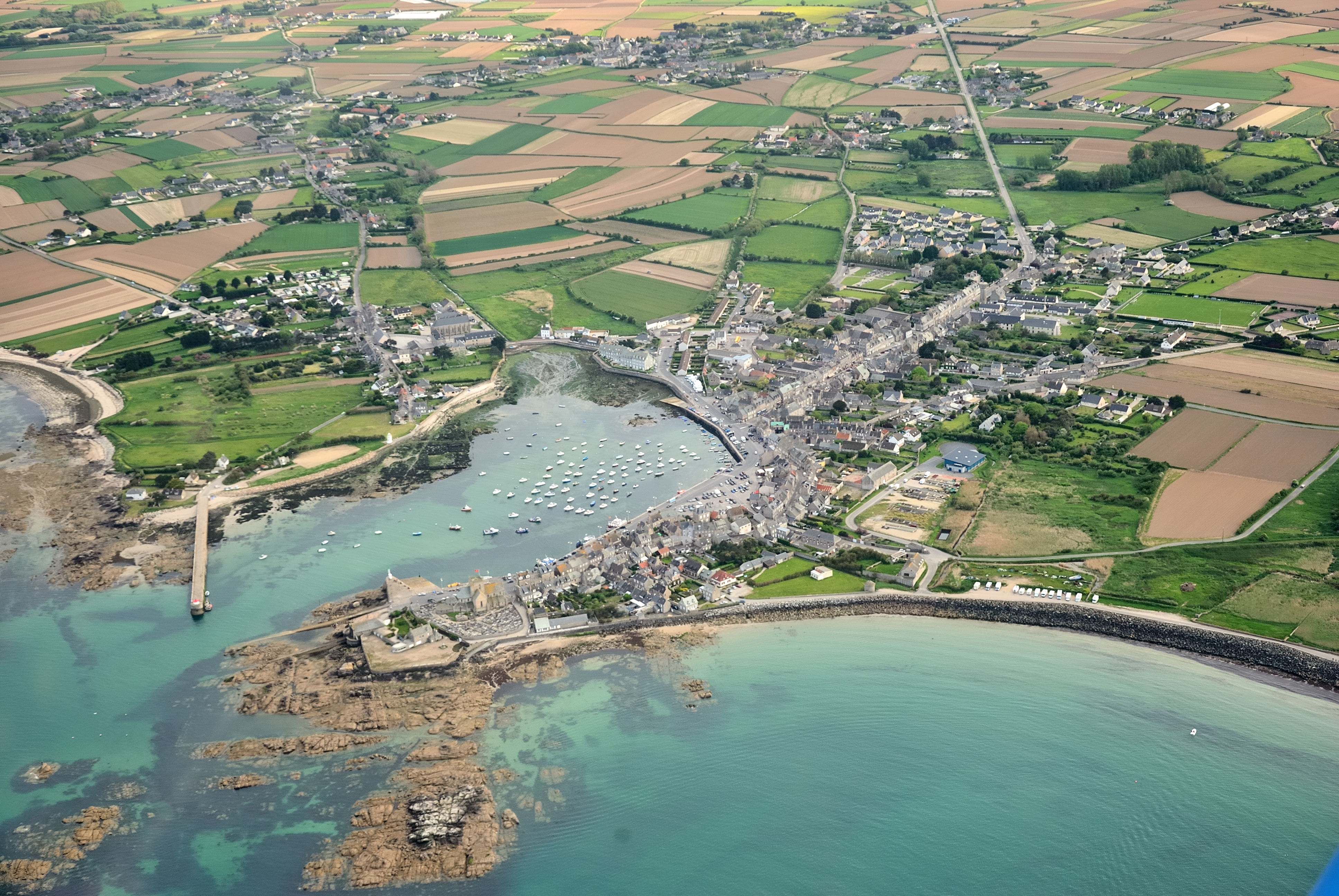 875-barfleur-plus-beaux-villages-de-france-manche.jpg