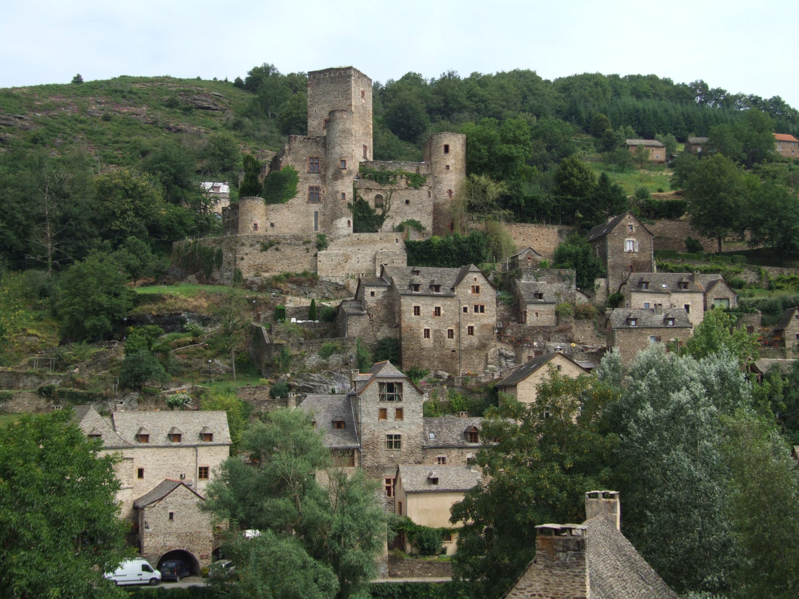 878-belcastel-plus-beaux-villages-de-france-aveyron.jpg