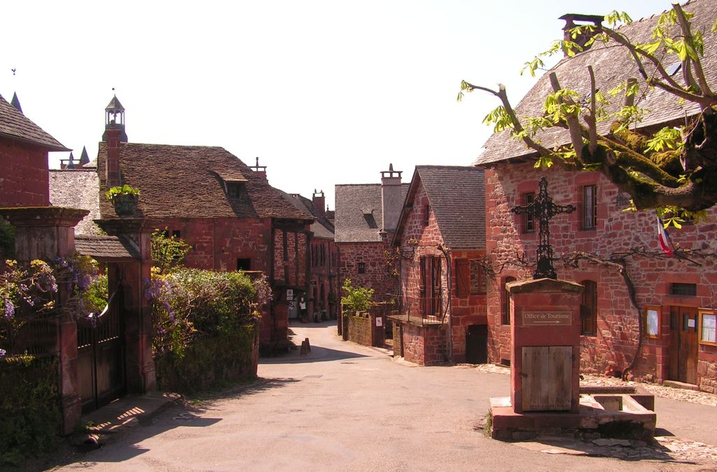906-collonges-la-rouge-plus-beaux-villages-de-france-correze.jpg