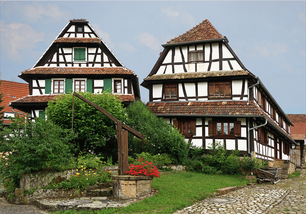 925-hunspach-plus-beaux-villages-de-france-bas-rhin.jpg