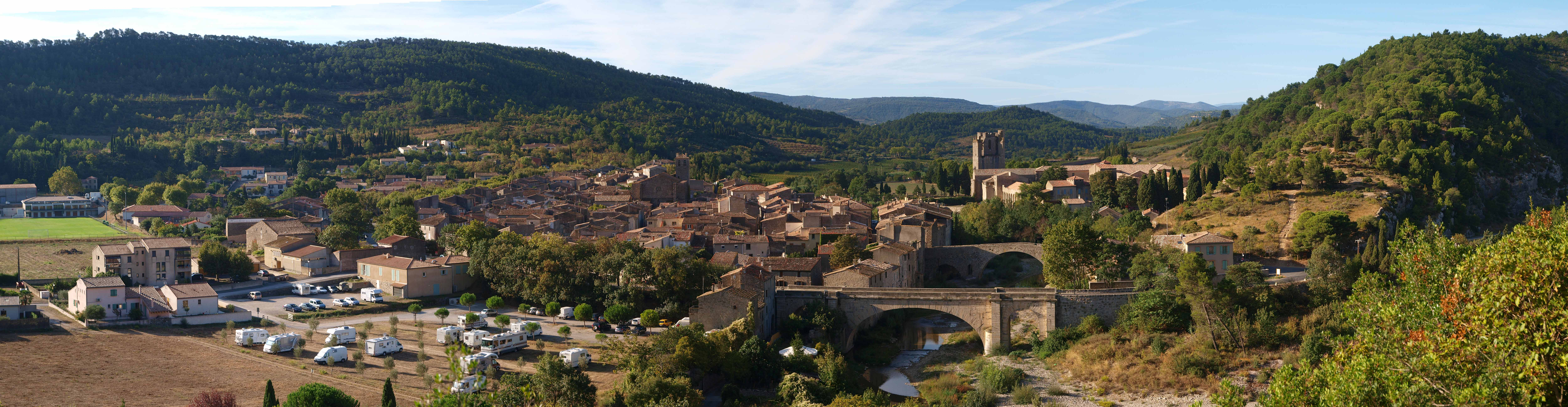 927-lagrasse-plus-beaux-villages-de-france-aube.jpg