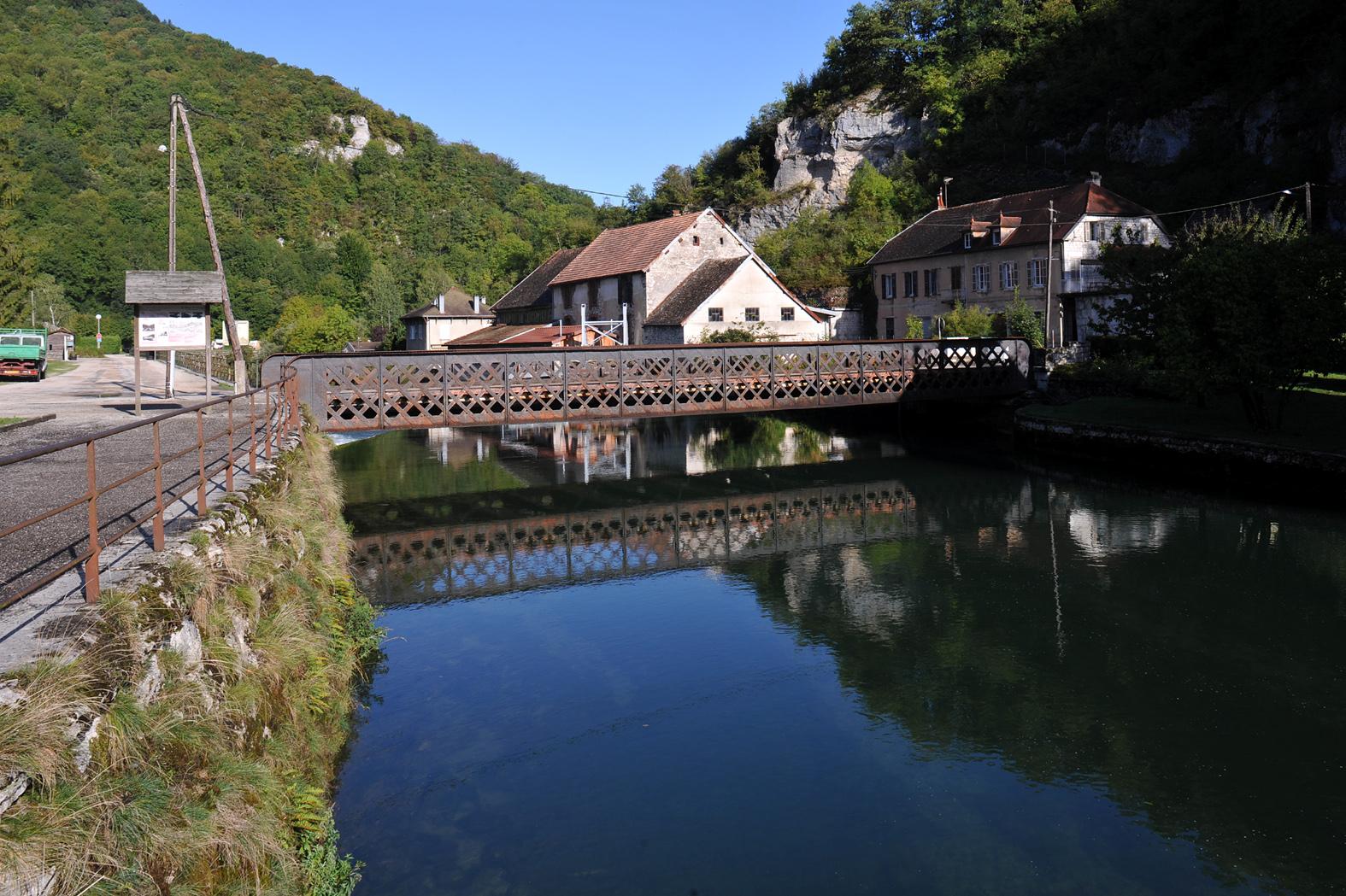 950-lods-plus-beaux-villages-de-france-doubs.jpg