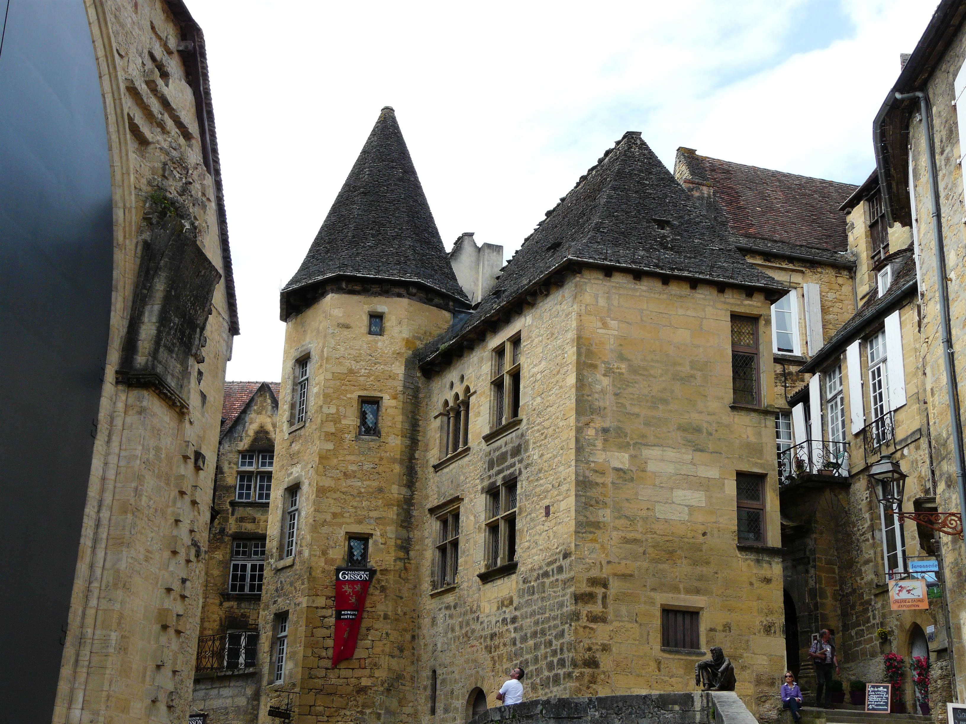 2150-sarlat-la-caneda_manoir_gisson-dordogne-nouvelle-aquitaine.jpg