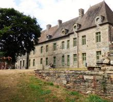 2120-abbaye-de-bon-repos-cotes-d-armor.jpg