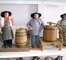 2332-musee-de-la-poupee-folklorique-47.jpg