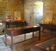 2453-musee-de-capdenac-le-haut-lot-occitanie.jpg