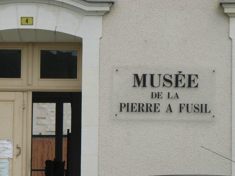 2384-musee-de-la-pierre-a-fusil-36.jpg