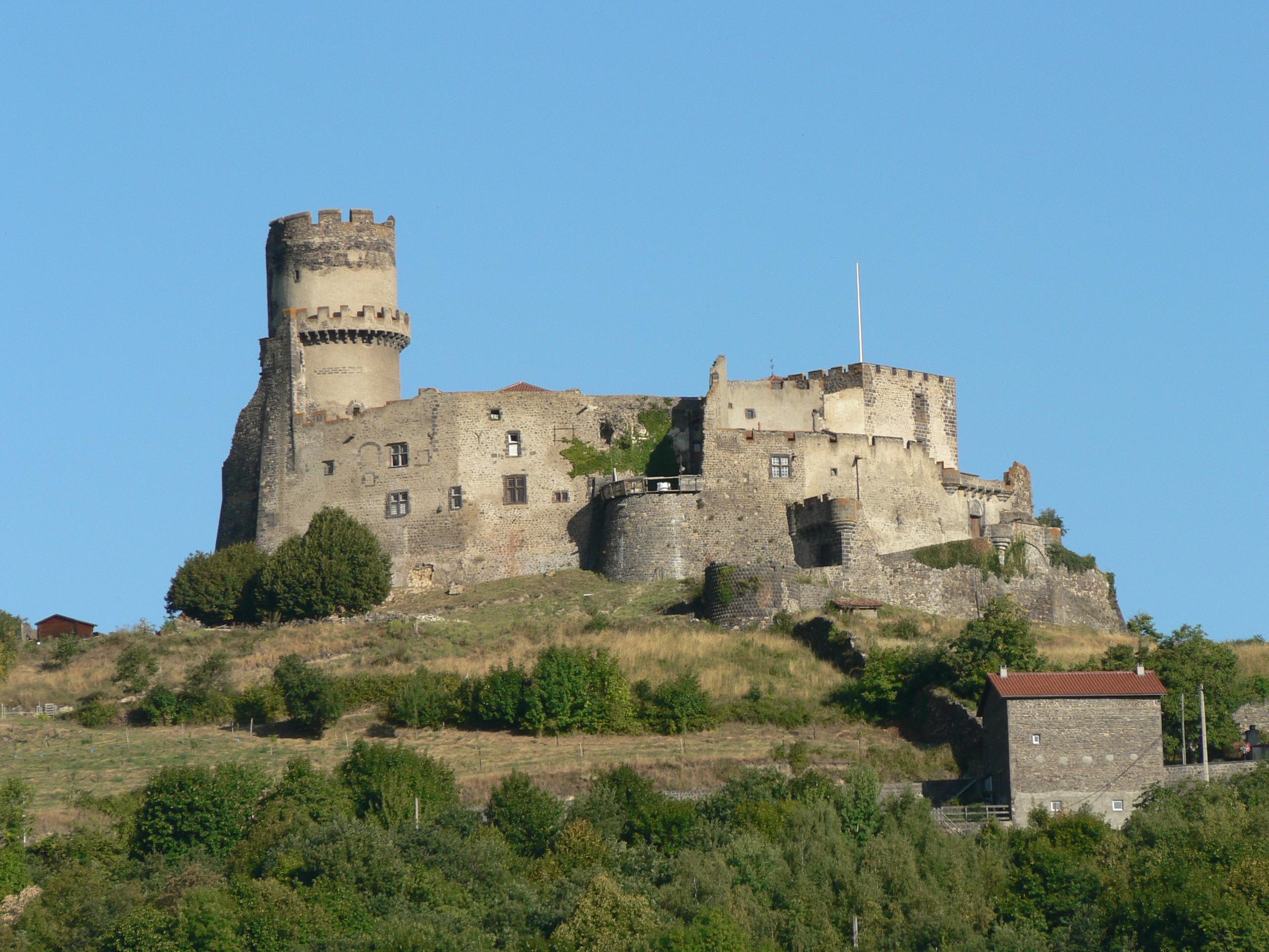 2586-chateau_de_tournoel_63.jpg