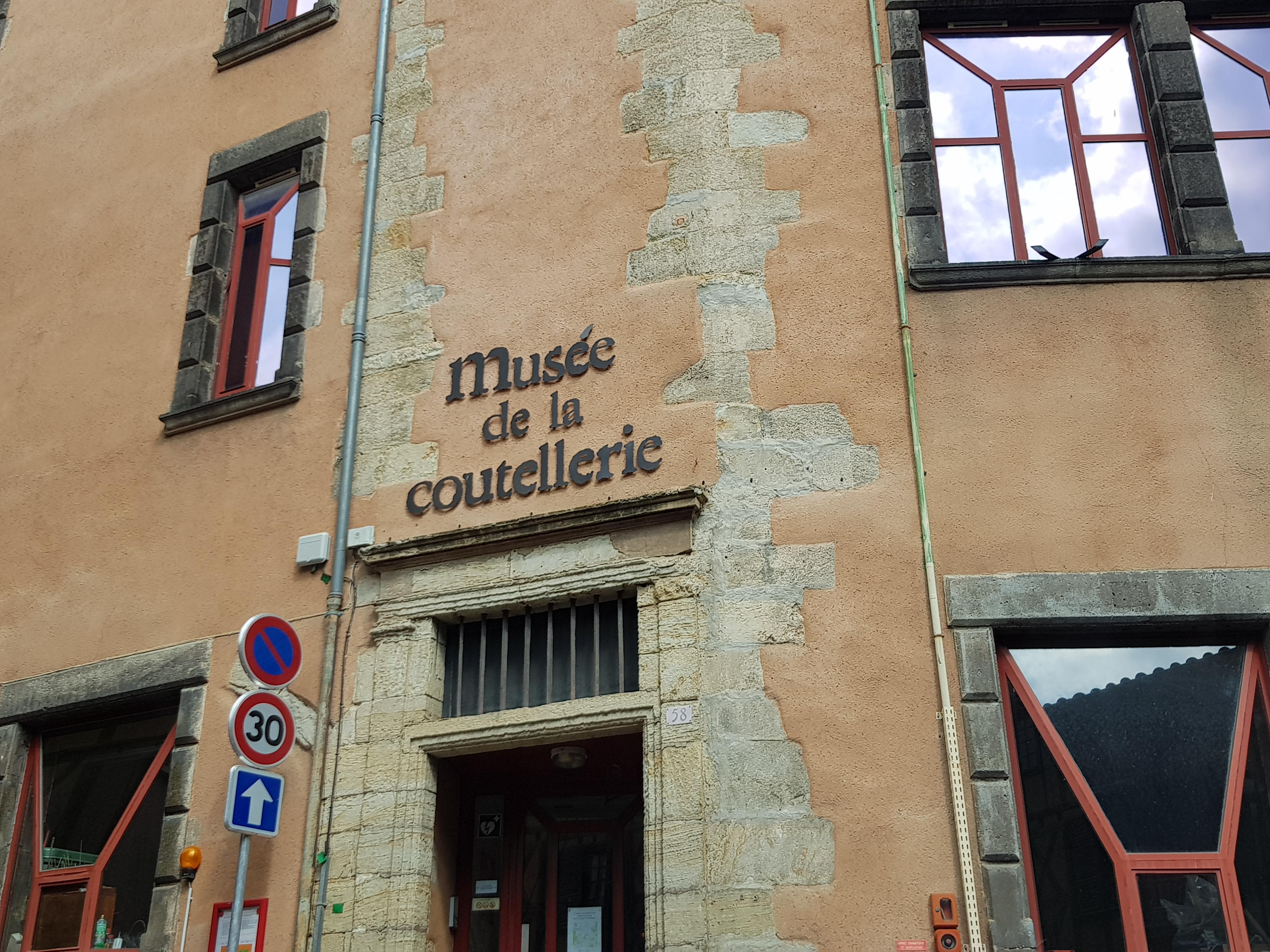 2587-musee_de_la_coutellerie_63.jpg
