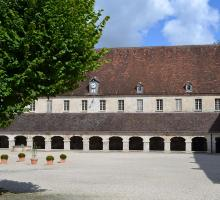 abbaye-royale-moncel.jpg