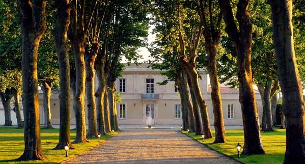 chateau-haut-breton-larigaudiere-Gironde.jpg