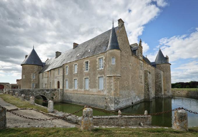 135-chateau-de-saveilles-entree.jpg
