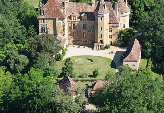 34-chateau-lanquais-vue-aerienne.jpg