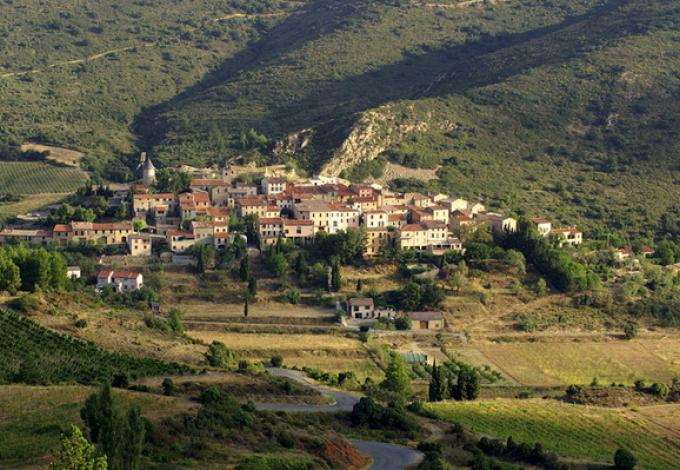 74-chateau-de-queribus-village.jpg