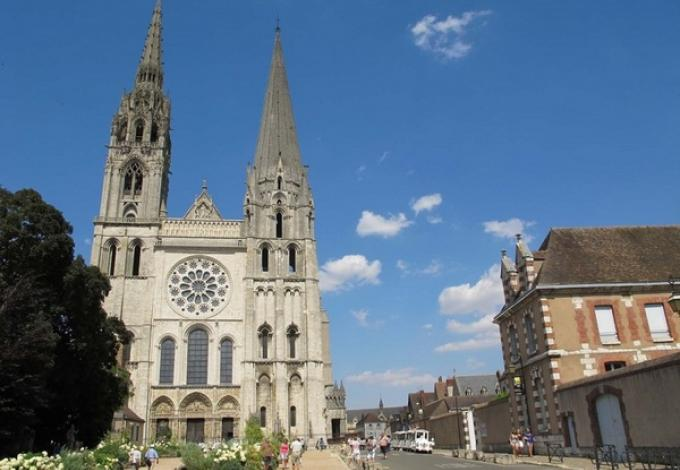 75-musee-du-vitrail-cathedrale.jpg