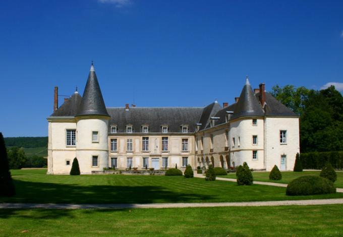 98-chateau-conde-facade-exterieure.jpg