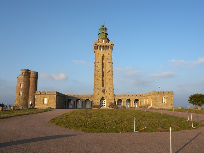 1318-phare-du-cap-frehel.jpg