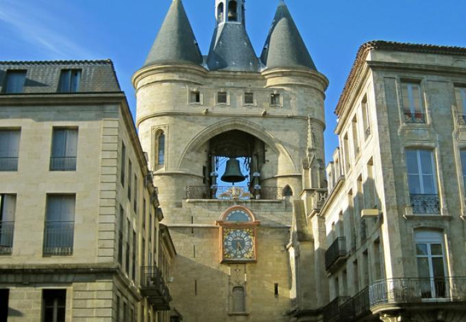 130-grosse-cloche-de-bordeaux-facade.jpg