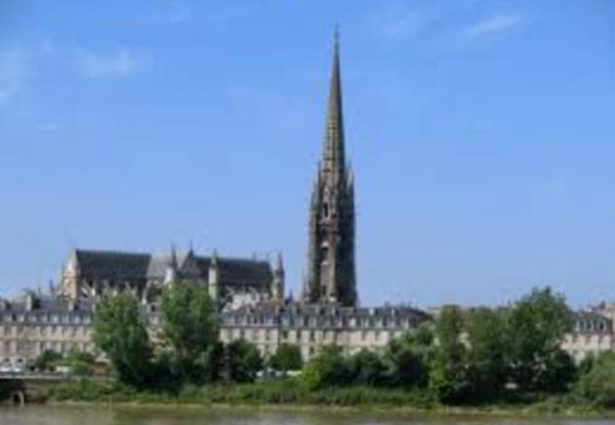 133-fleche-saint-michel-bordeaux.jpg