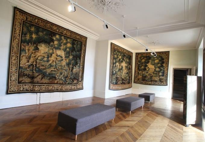 146-chateau-pompadour-correze-salon-1.jpg