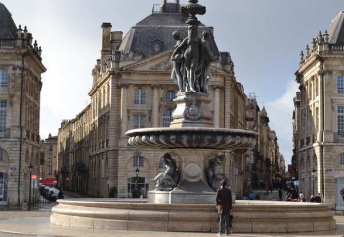 161-insol'eat-visite-historique-et-gourmande-fontaine.jpg