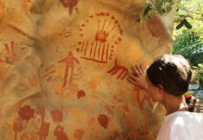 218-musee-de-tautavel-peintures-rupestres.jpg