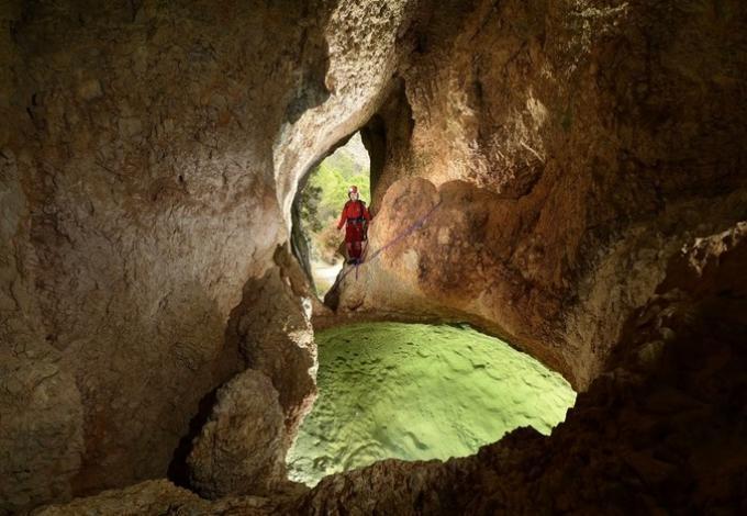 66-speleopark-entree-naturelle-grotte.jpg