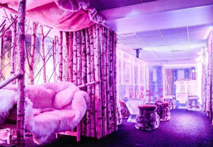 92-kube-hotel-paris-ice-kube-bar.jpg