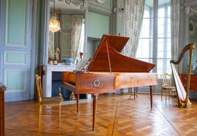 96-chateau-de-valencay-salon-de-musique.jpg