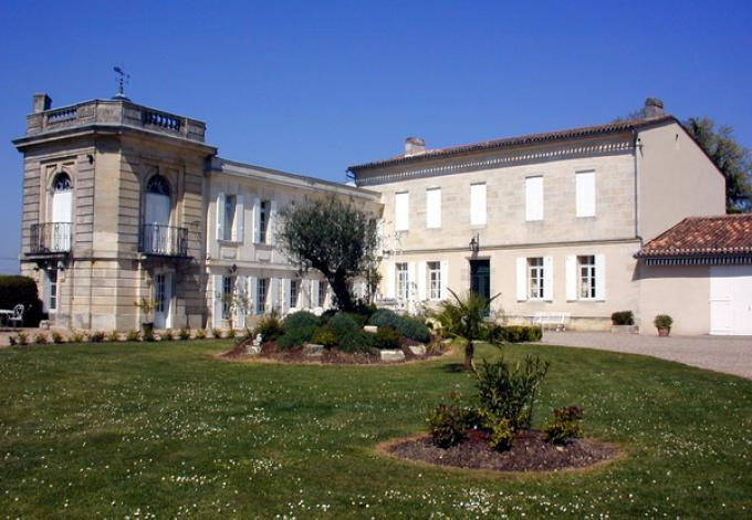 964-chateau-belloy-entree.jpg